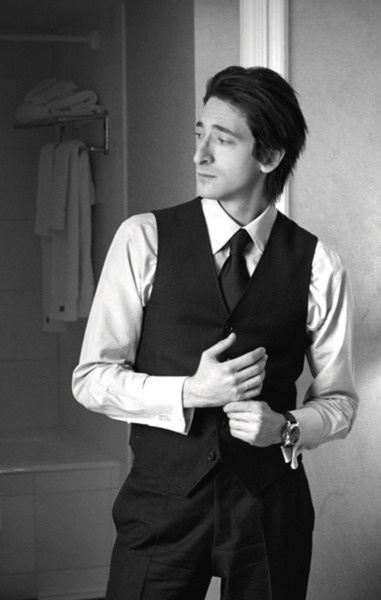 Adrien Brody - I don't usually fancy him, but in that suit...