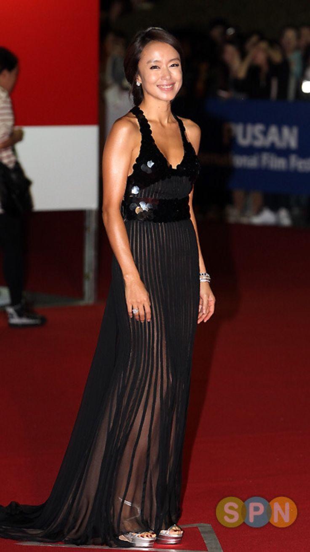 전도연  여배우  black dress