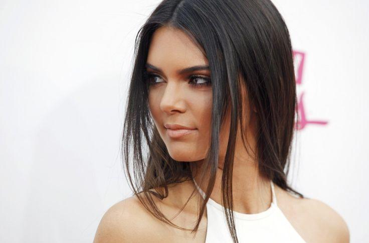 446540 model kendall jenner arrives at the 2014 billboard music awards in las Kendall Jenner Measurements  #KendallJennermeasurements #KendallJenner #gossipmagazines