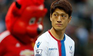 Alan Pardew accused of making absurd decisions by Lee Chung-yong