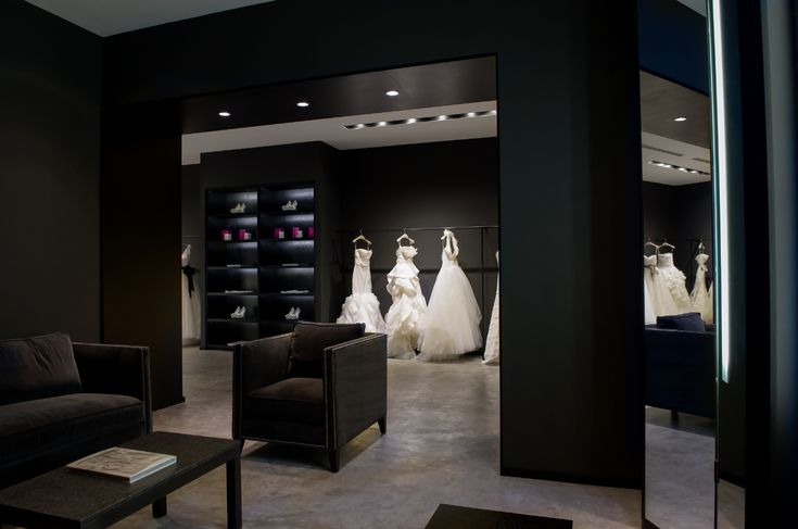 Inside The Fitting Room At Vera Wang Bride In Monterrey Mexico Store Interiors Bridal Stores Store Interior