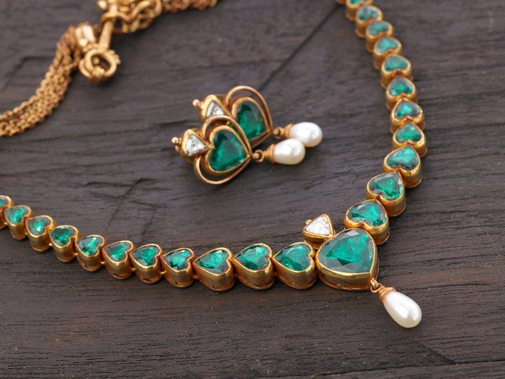 Beautiful Emeralds Temple Jewellery from ARNAV