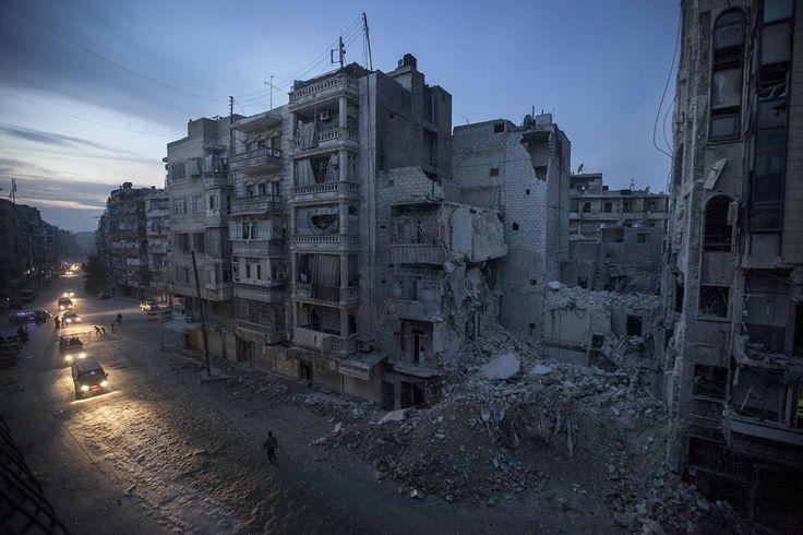 Aleppo strada di notte