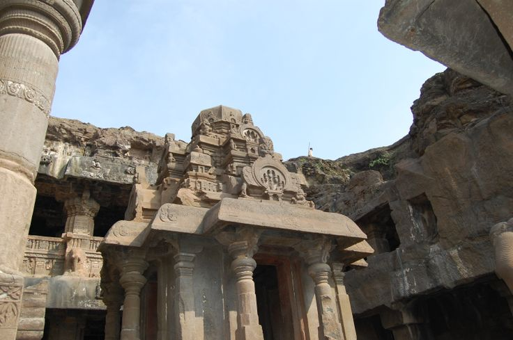 The city is very well known for the Ajanta Ellora caves a world heritage site. Aurangabad Ajanta ellora the city is best to be visited in the winters from October to February.