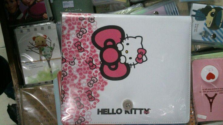 Binder Hello Kitty Pita