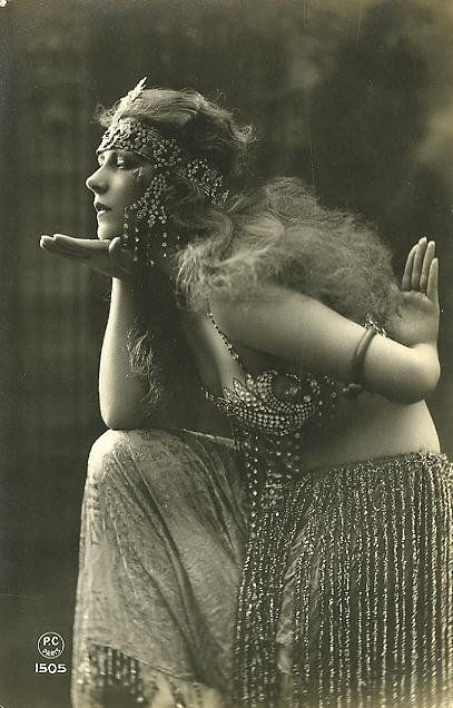 Old VINTAGE Antique EXOTIC BELLY DANCER Photo Reprint