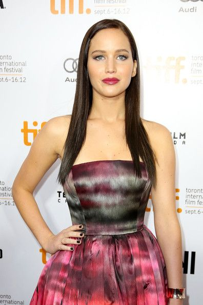 Jennifer Lawrence Long Straight Cut - Jennifer went for a darkly romantic look with her sleek chocolate tresses.