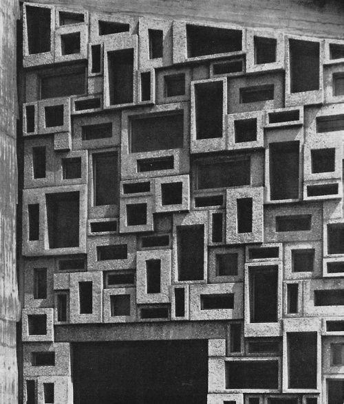 ESCH AND HIMMELEIN / WALL IN GLAZED PRECAST CONCRETE BLOCKS OF THE PROTESTANT CHURCH IN LEVERKUSEN, 1960s