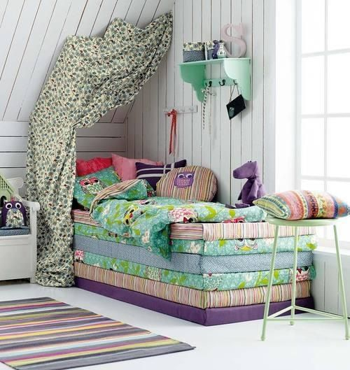 Great idea to transform a playroom or a kids room a slumber party. Everyone would get a foam bed for overnights. Shabby chic perfect.