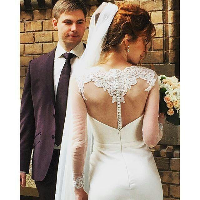 Пока что самая оперативная фотография в #TellAboutMe . Антон и Кристина, меньше 2-х недель как женаты) Правда пришлось украсть фотографию со стрницы Антона)) #maximabridal #maxima #weddingdress #weddingdress2016 #wedding #bridal #bridebook #bestdress #novias #suknieslubne #sposa #rochiidemireasa #robesdemariée #vestidosdenovia #свадьбакиев #свадебныеплатья2016 #свадебныеплатья #свадебныеплатьякиев #свадебныеплатьячерновцы #весільнісукні #весільнісукнікиїв #весільнісукні 2016 #наречена