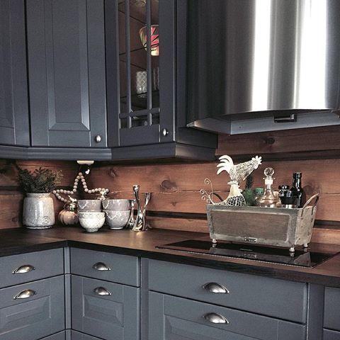 Ny uke- mange muligheter💞 Påsken er over for denne gang, og  nå kommer våren 💐🌹🌷#cabinlife #interior123 #kitchen #sigdalkjøkken #hytteinteriør #hytteinspirasjon #kjøkken#hyttekjøkken #cottage#vakrehjemoginteriør #vakrehytteroglandsteder