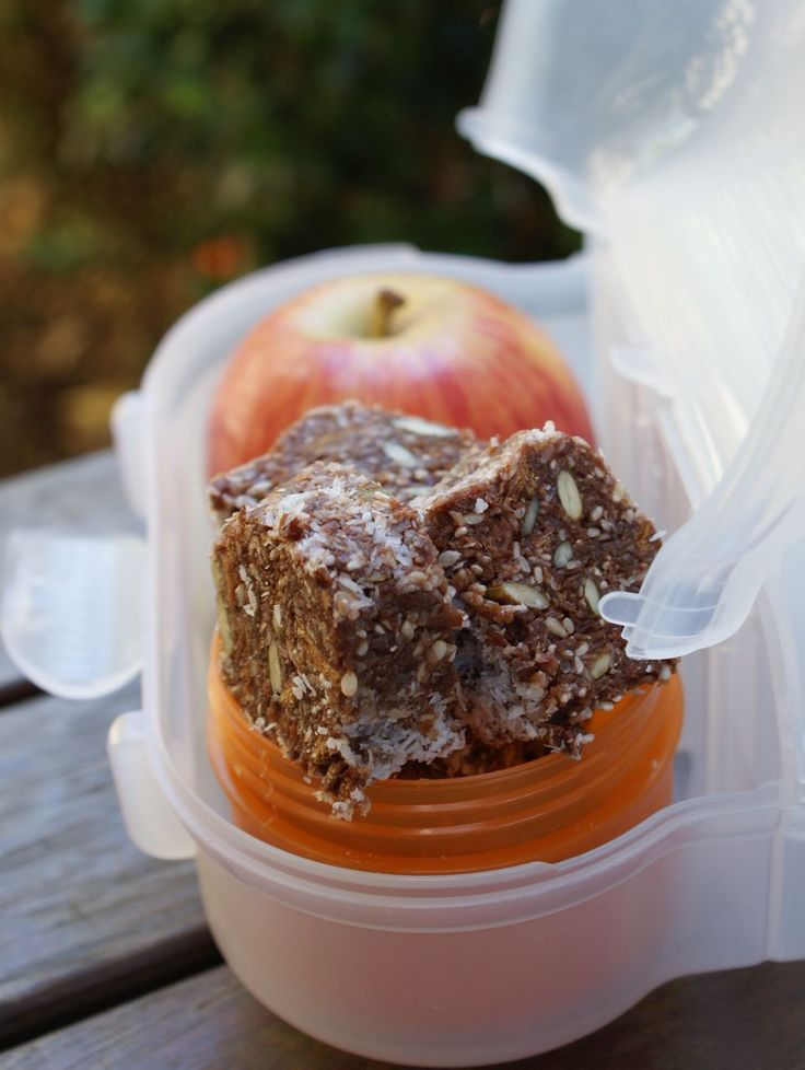 This Weet Bix Balls recipe came from my good friend Carolyn, she's been making this sugar free version of Weet Bix balls for her kid's lunchboxes and it's time to share it. You can make them as tra...