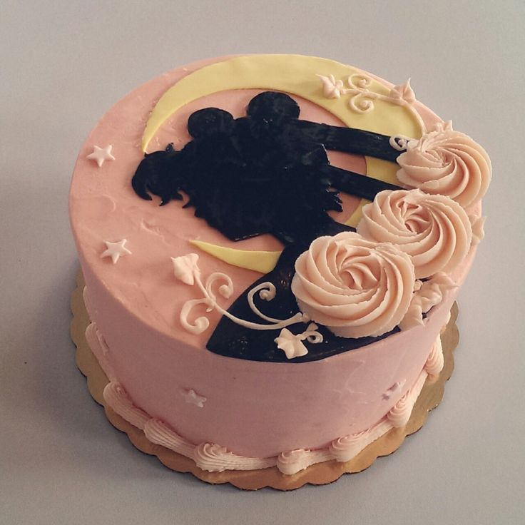 Best 25+ Ladies Birthday Cakes Ideas On Pinterest