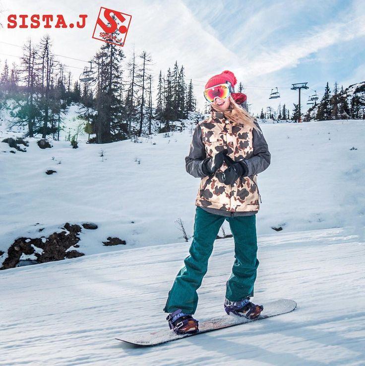 SISTA.Jのカッコ良いスタイルでスキー場にGOー #SISTAJ #snowboard #wear #pants #ladies #camouflage #jacket #japan #カモフラージュ #ジャケット #スノボー #スノーボード #ウェア #dnns #dontneednosamurai #nosamurai
