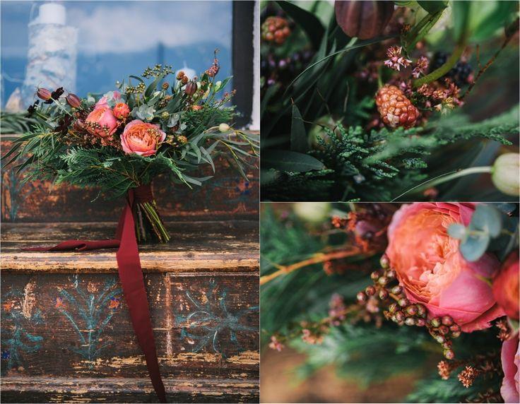 Gorgeous flowers by @atelierbloombloom