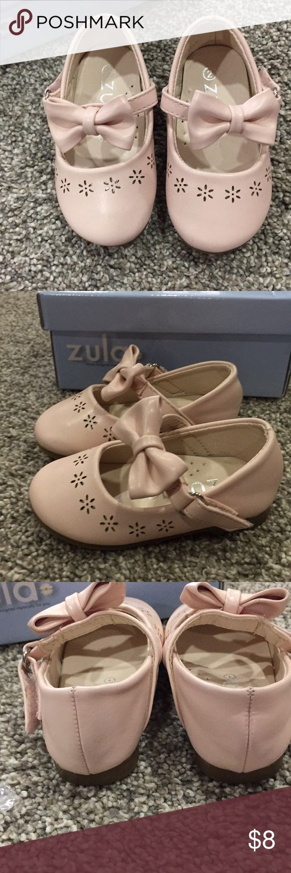 💗Baby Girl Zuma Shoes💗 Super cute shoes! My daughter has just outgrown them. The box says nude. They are kinda a light pinkish color. Velcro fasteners. Smoke free home! 💗 Zula Shoes Baby & Walker
