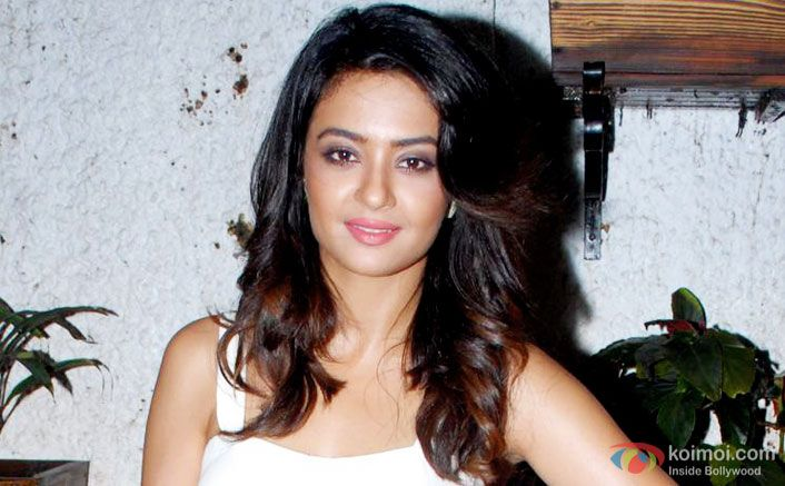 Sexy Sensuous Label Doesnt Bother Me Says Surveen Chawla