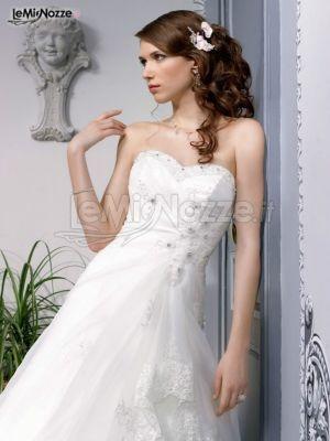 http://www.lemienozze.it/operatori-matrimonio/vestiti_da_sposa/miss-paris/media  Abito da sposa con scollo a cuore