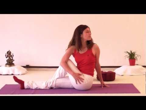 Fitness: Yoga Übungen für Anfänger (einfach + Video) - fit-weltweit.de - Fitness Blog aus Berlin