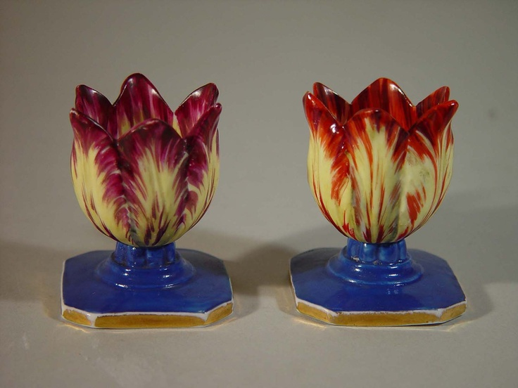A Pair of Small Spode Pottery Tulip Egg Cups, Circa 1830-40