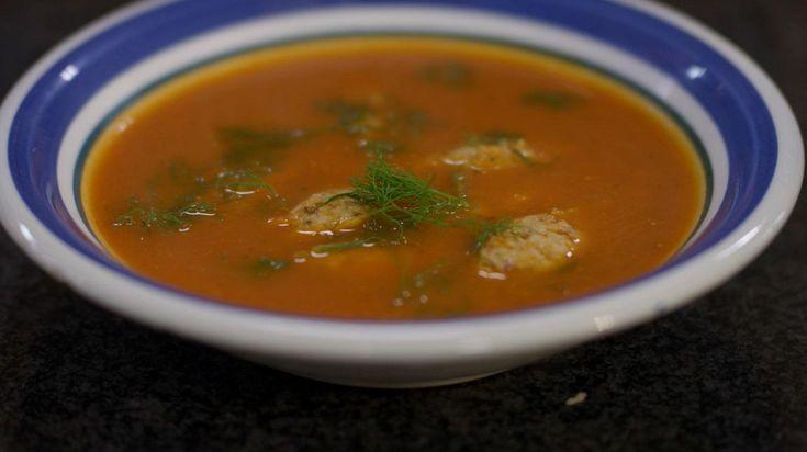 Tomaat-venkelsoep met dumplings van kip en spek | Dagelijkse kost