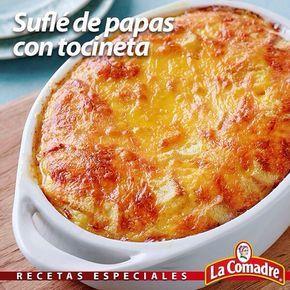Un esponjoso cremoso y delicioso acompañante para este #findesemana #RecetasLaComadre Suflé de papas con tocineta INGREDIENTES: 5 Papas 3 Huevos 10 rebanadas de tocineta cocida y picadita 50 g de mantequilla o margarina vaso de leche 8 rebanadas de queso amarillo 1/2 Cda. de Adobo La Comadre PREPARACIÓN: En primer lugar pelamos y troceamos las papas y las hervimos durante 25 minutos. Pasado este tiempo escurrimos las papas y las trituramos junto a la leche hasta obtener una textura de puré…