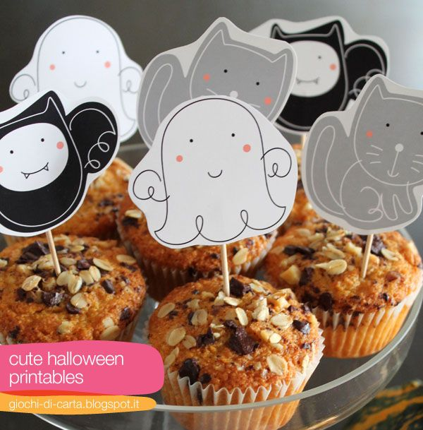 http://www.colourmethere.com/2012/10/24/diy-fyi-cute-halloween-printables-and-bonus-muffin-recipe/ FREE printable halloween cupcake toppers