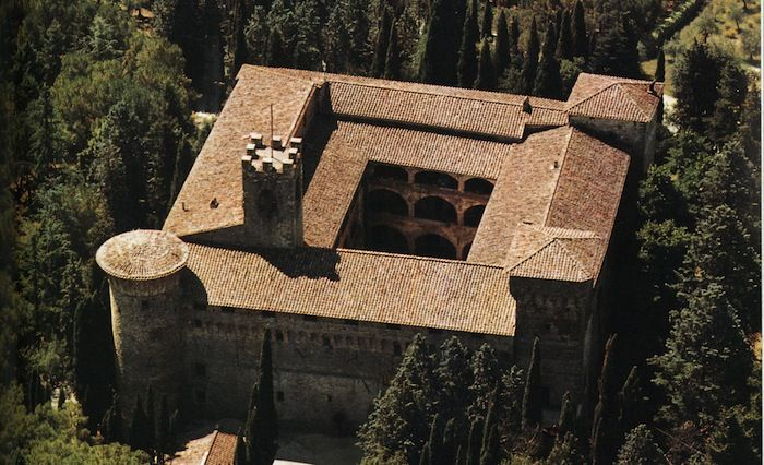 "In May 2012, the European Ministry of Culture classified the Castello Della Magione as an historical ""maison"".or ""Domus Templi"" on the Via Francigena."