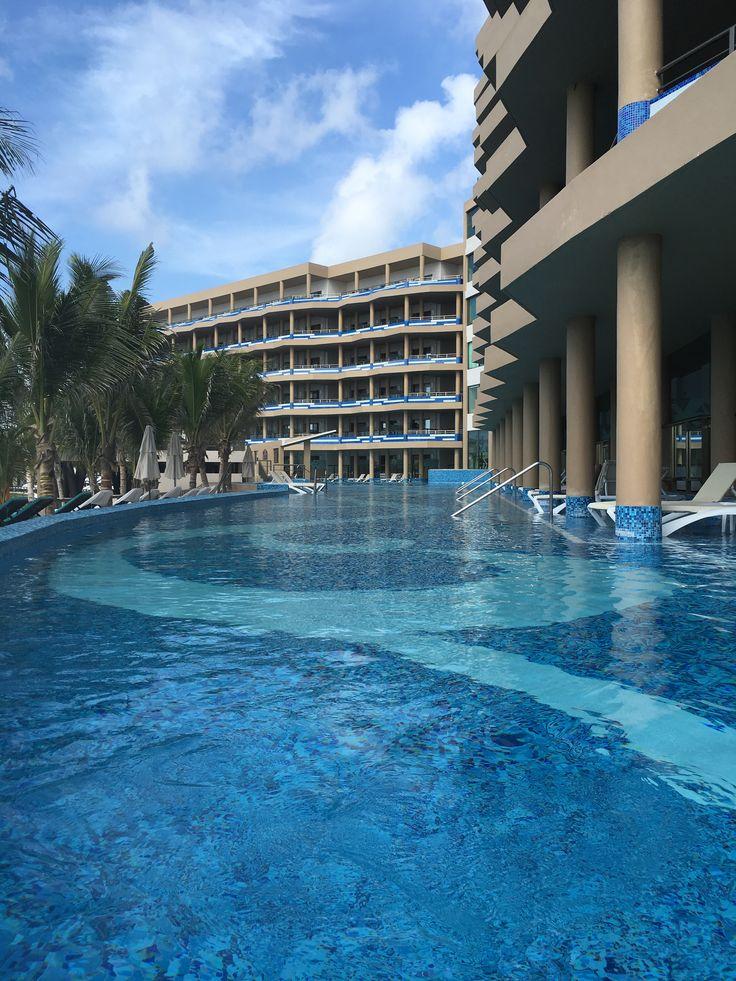 .An unforgettable adults only resort–The El Dorado Seaside Suites