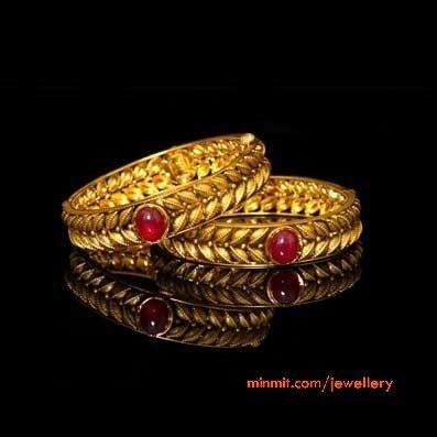 antique-gold-kadas
