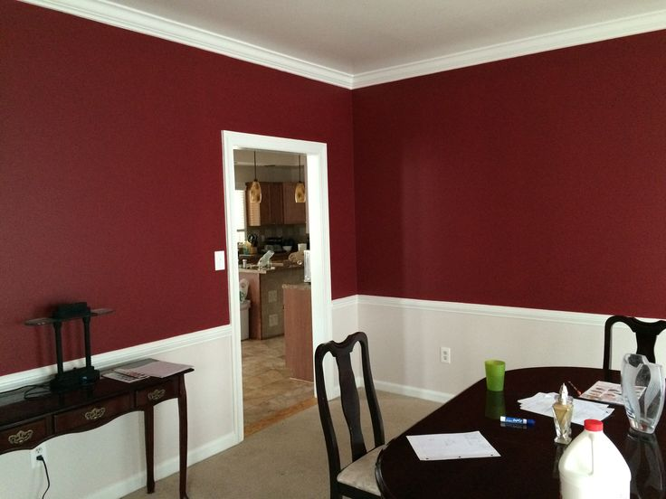Benjamin Moore Heritage Red / BM RME-25 Red Dining Rooms: http://ajfrancis.com/ellicott-city-apple-red-dining-room