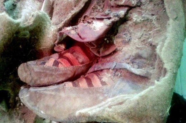 Momia de 1.500 años de antigüedad parece portar Calzado Adidas
