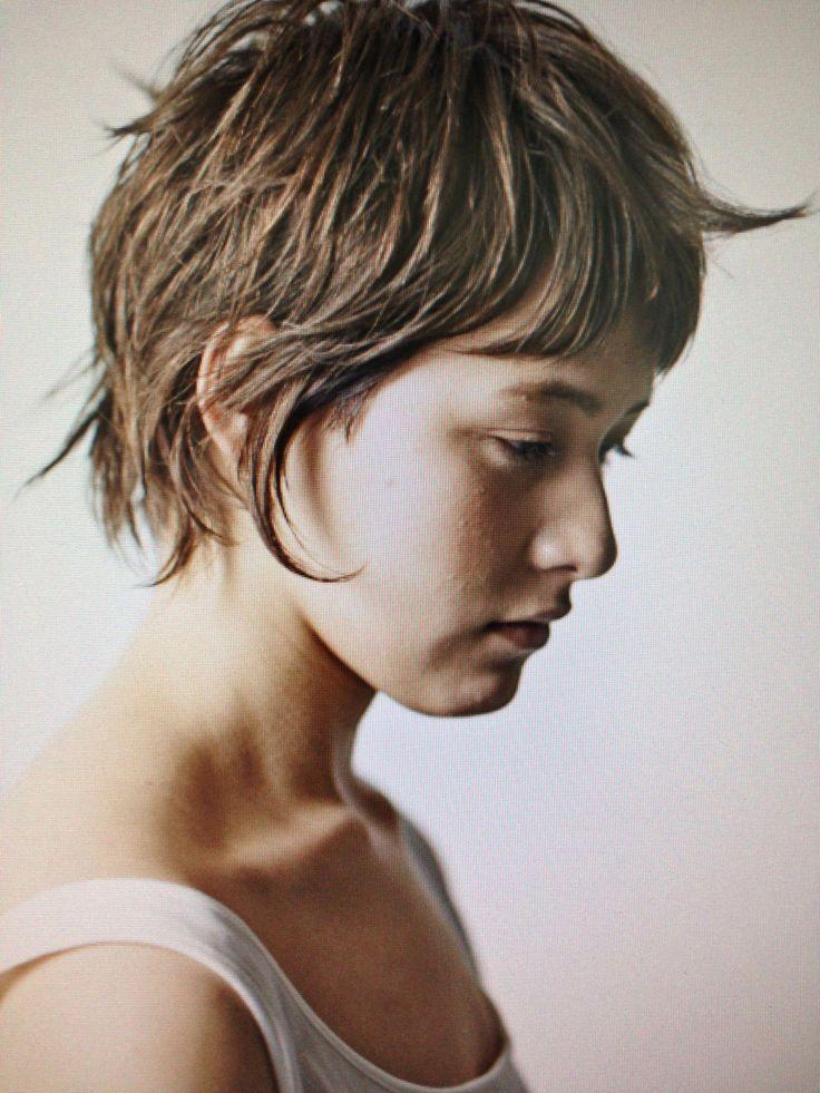 10 Bildhubsche Pfiffige Frisuren Fur Rockige Frauen Etwas Fur Dich Dabei Rockige Frisur Frisuren Frisur Rockig