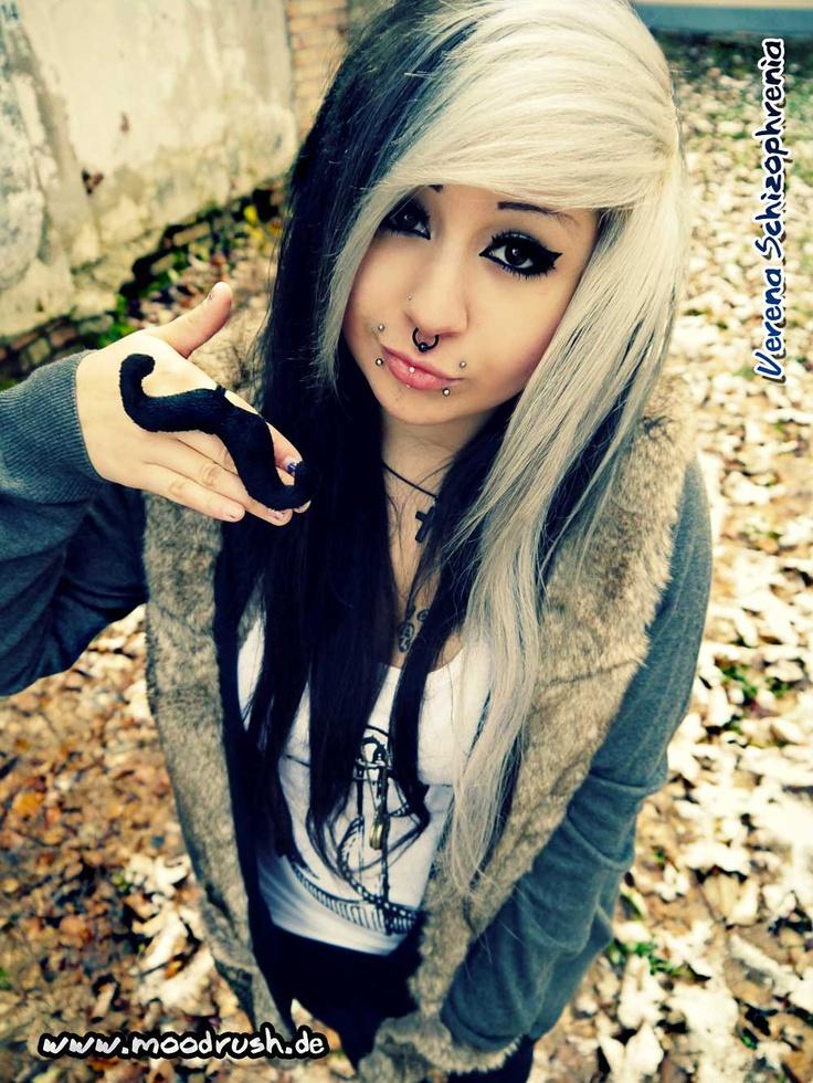 Cute Emo Girls 48 Pics: Verena Schizophrenia