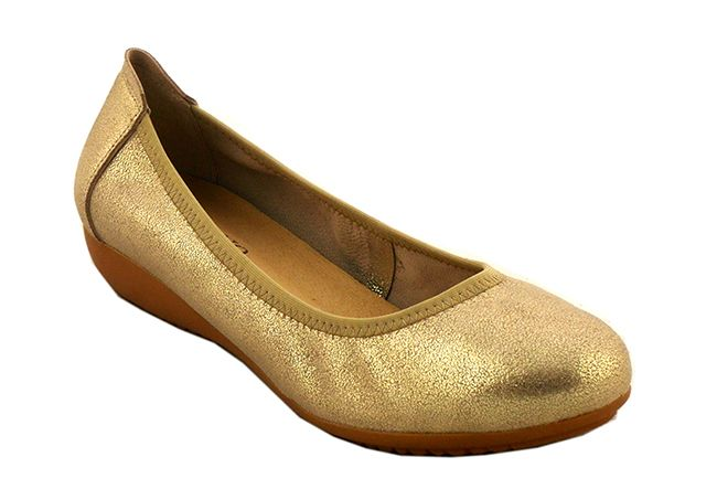 Bellavista Stay comfortable and look good in these chic ballet pump. The low wedge guarantees all-day comfort . Available in Gold, Teal, Peony, Jaffa and Black.