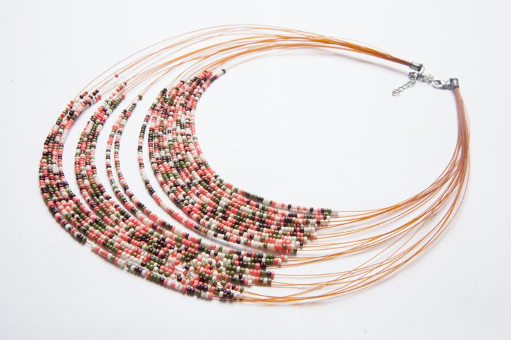 colier nude - 20 lei  ——  nude beaded necklace - 5 euros