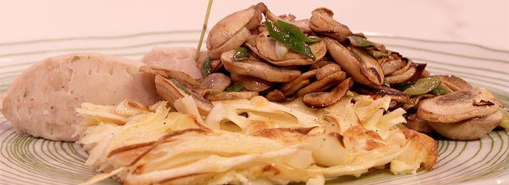 Bonen uit blik zijn minstens zo voedzaam en die gebruikt Mounir voor zijn recept met pastinaakgratin met witte bonenpuree en gebakken paddenstoelen.