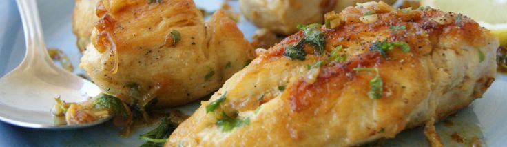 Stekt kyllingbryst med hvitløk og sitron/Pan fried chicken with garlic & lemon - myfoodpassion