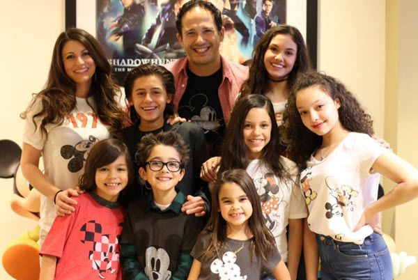 This new Disney Channel show called Stuck in the Middle looks like it is going to be so much fun to watch! The cast that includes Jenna Ortega, Isaak Presle