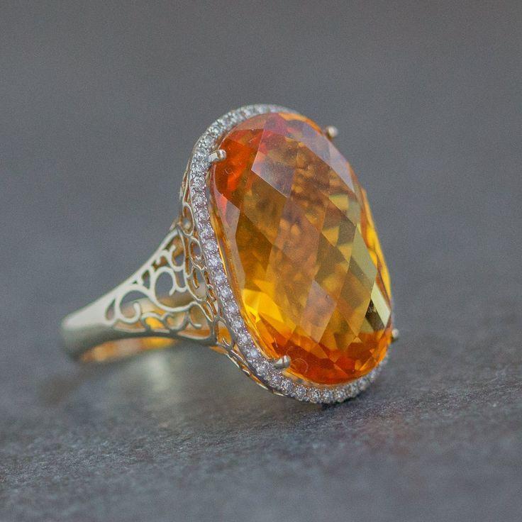 Citrine, gold, diamonds, 2999 €