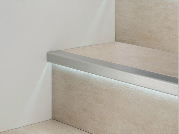 Perfil protector de degrau de alumínio com LED PROSTEP G/8 LED Coleção Prolight by PROFILPAS