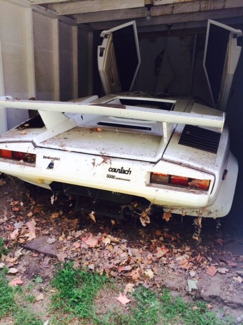 Lamborghini Countach barn find