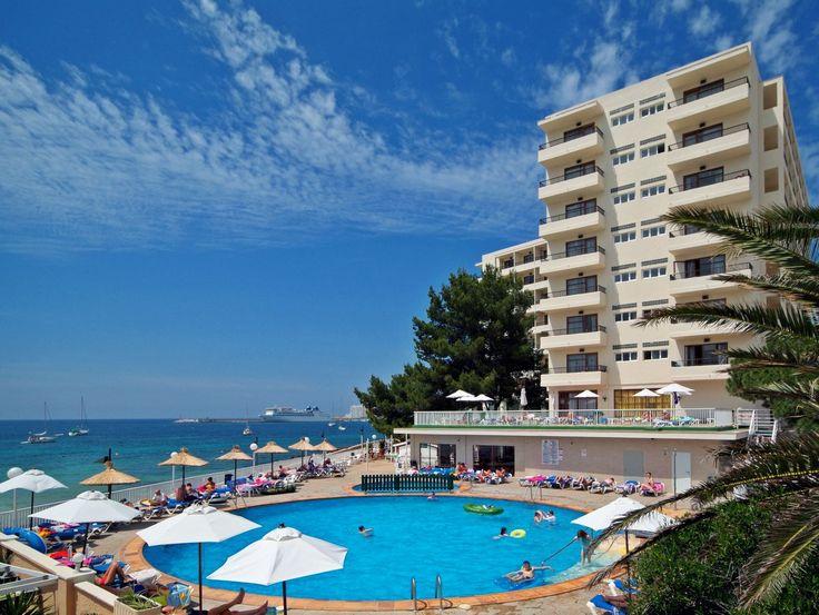 Rynek Hotelarski - Poznasz kluczowe terminy z zakresu rynku hotelarskiego. Zdobędziesz wiedzę o uczestnikach rynku hotelarskiego. Dowiesz się o występujących metodach analizy rynku hotelarskiego.