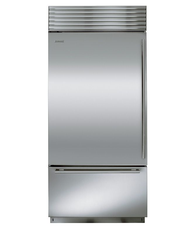 Over-And-Under Refrigerator With Freezer Drawer10