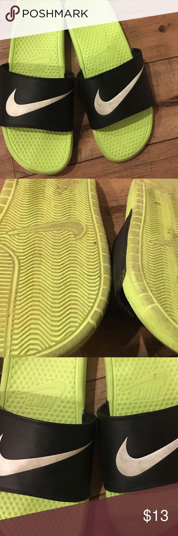 💚💛💚🖤men's Nike slides 💚 used size 13 men's Shoes