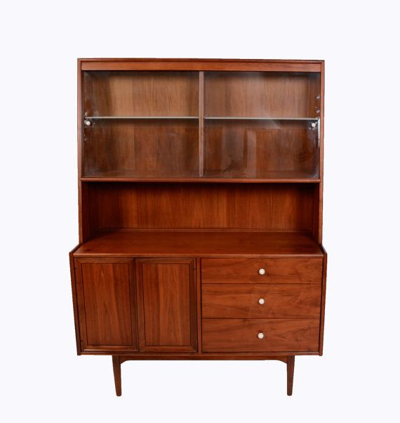 Walnut china cabinet drexel declaration mid century modern for Mobel asia style