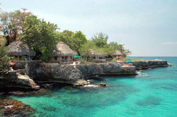 Rockhouse, Negril, Jamaica. This place is heavenly. Plan the perfect #Jamaican #Getaway at #LunaSeaInn www.lunaseainn.com