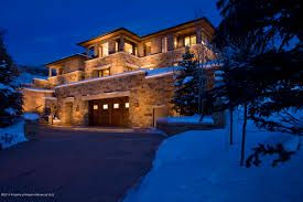 Aspen, real estate property trading attributes, can be sold and bought by the real estate brokerages or from the actual residence agent or even the purchasers and sellers. Aspen, real estate market, satisfies the desire and serves the reason.