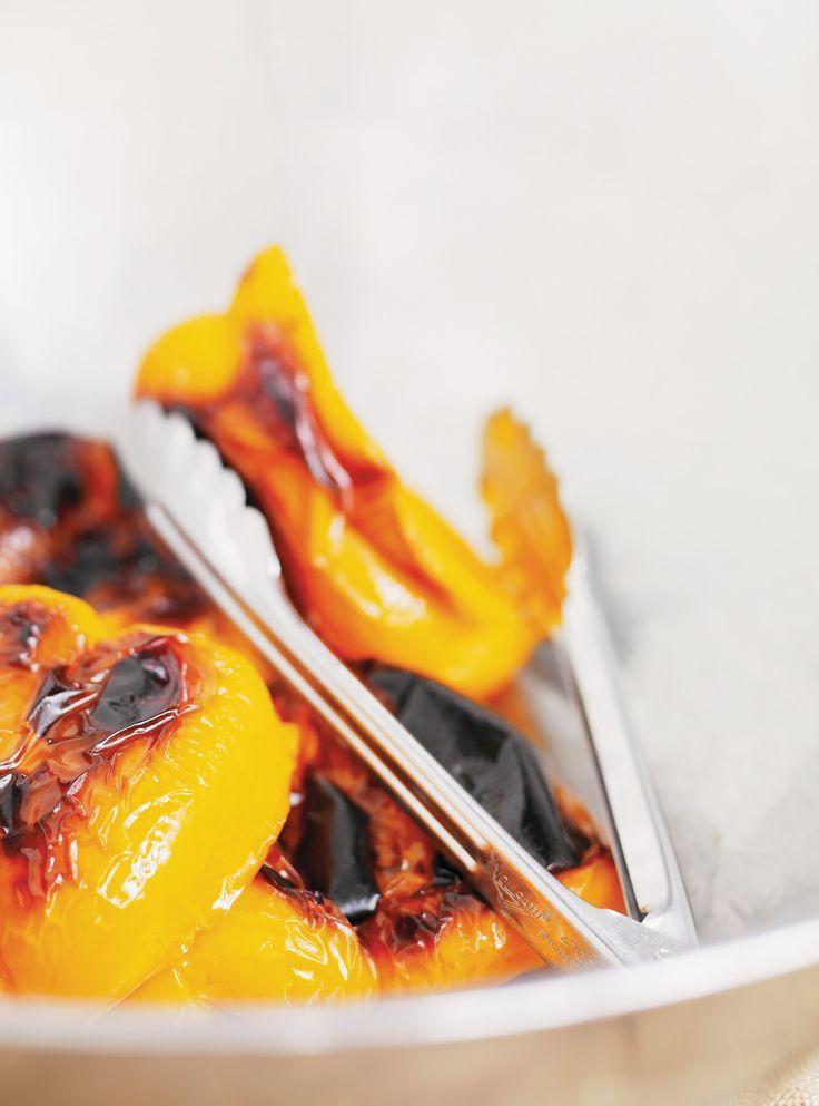Recette de Ricardo: Poulet à la moutarde et poivrons tricolores. Ingrédients de la recette: demi-poitrines de poulet, moutarde, poivrons de couleurs variées...