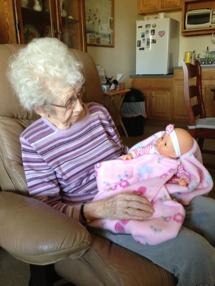 Bringing Comfort: Alzheimer's Sufferers And Baby Doll Therapy #alzheimers #tgen #mindcrowd www.mindcrowd.org